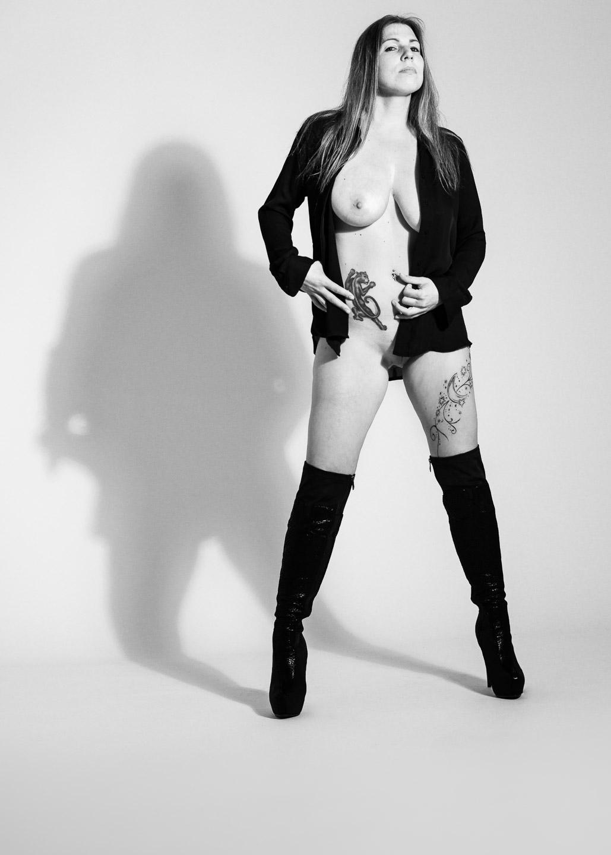 Floh, nude