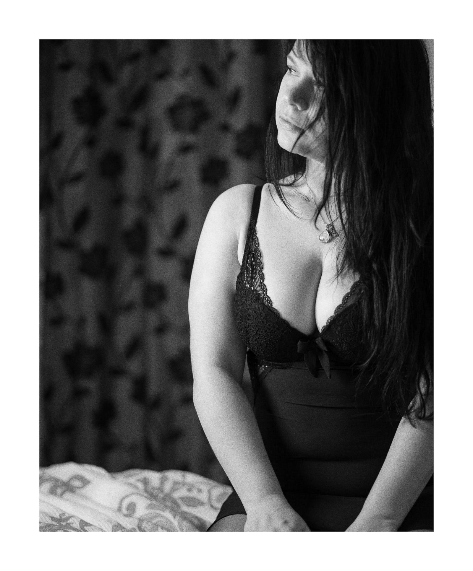 Stephanie - Black